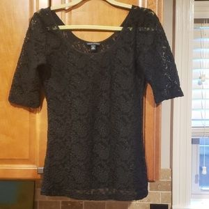 BR black lace short sleeve top M